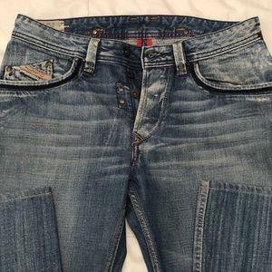 Diesel Men's distressed blue jeans S-30x34